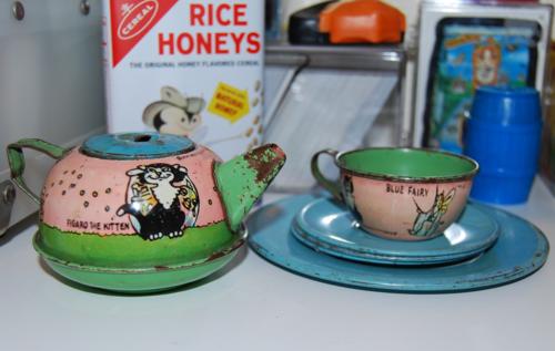 Disney pinnochio tea set 2