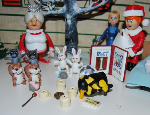 Santa claus is coming to town figures 6