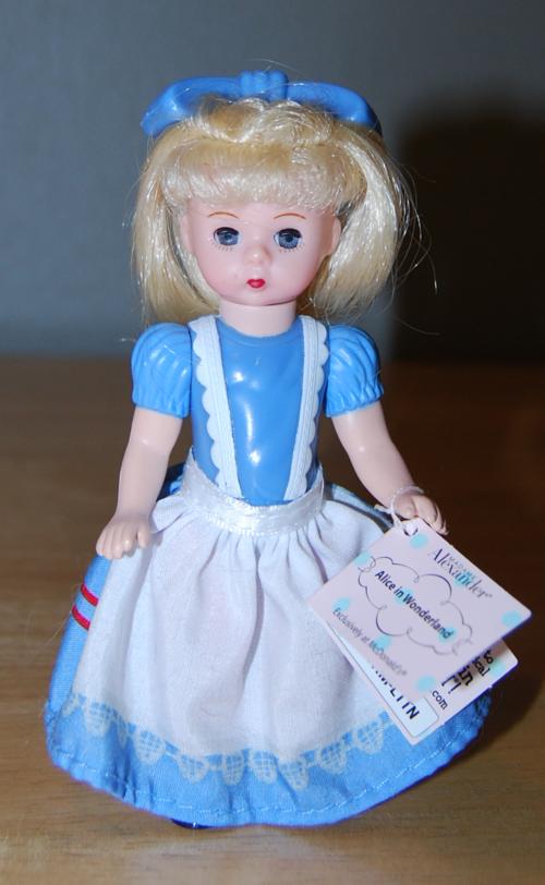 Alice doll madam alexander front 2