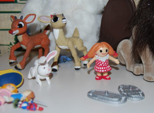 Rudolph the red nosed reindeer figures 3