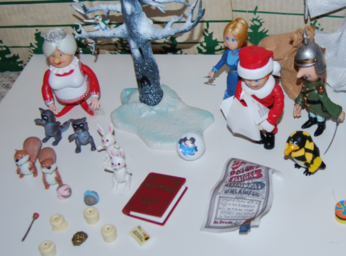 Santa claus is coming to town figures 1