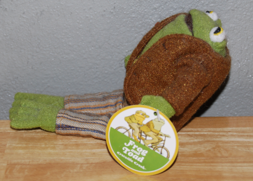 Frog and toad frog side