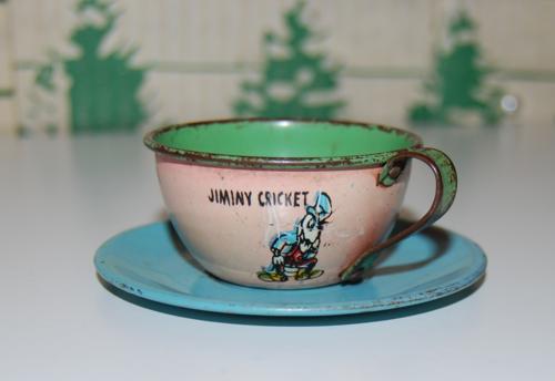 Disney pinnochio ohio art tin tea set 5
