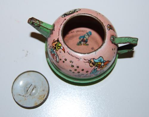 Disney pinnochio ohio art tin tea set 10