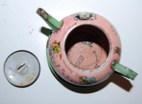 Disney pinnochio ohio art tin tea set 13