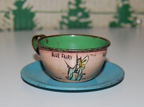 Disney pinnochio ohio art tin tea set 3