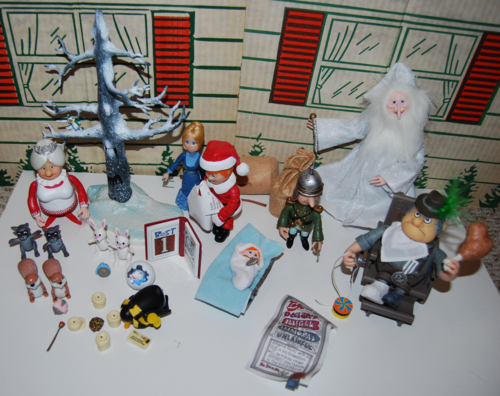 Santa claus is coming to town figures