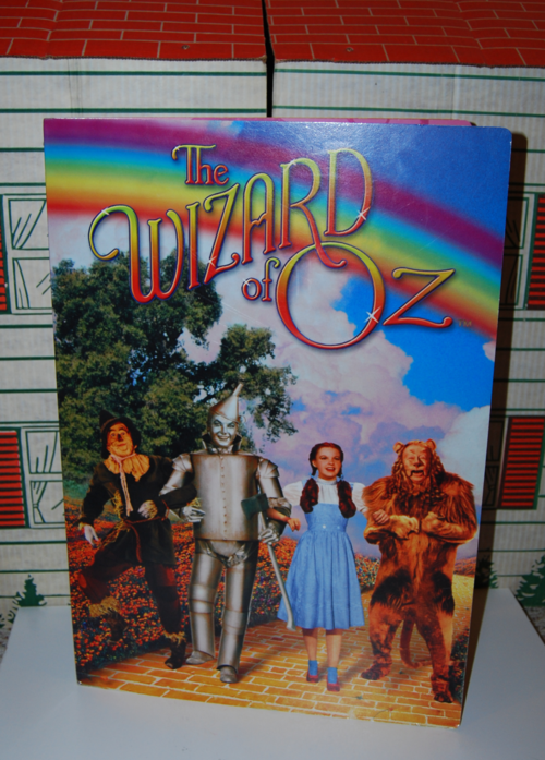 Giant wizard of oz book 1