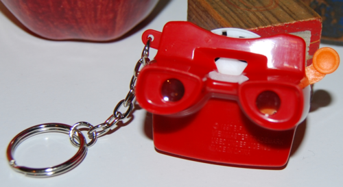Mini viewmaster keychain 4