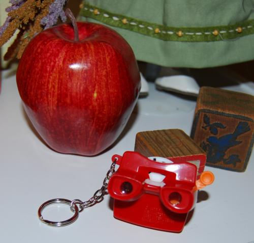 Mini viewmaster keychain x