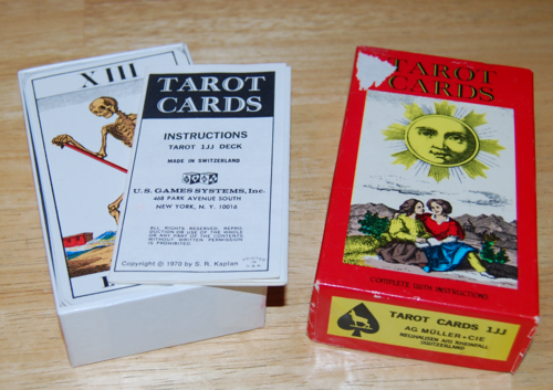 Tarot cards box