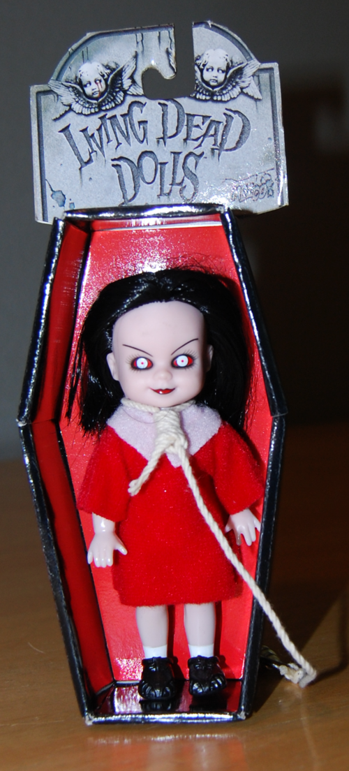 Living dead dolls red 2