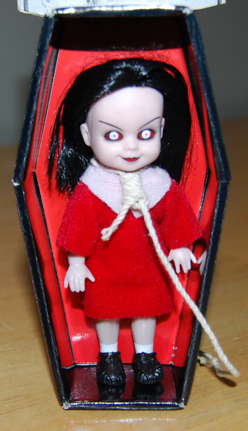 Living dead dolls red 4