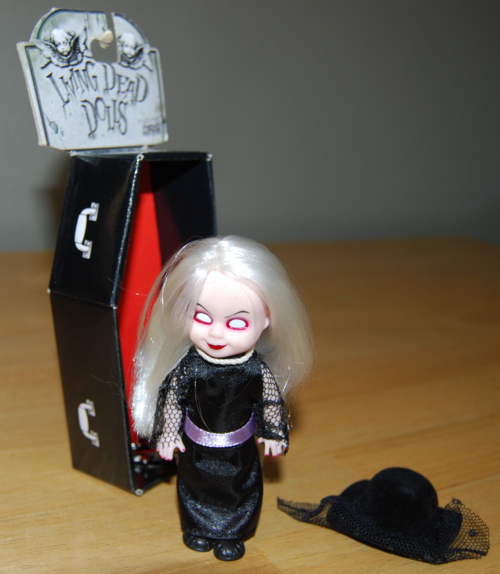 Living dead dolls widow 3
