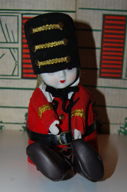 Vintage musical marching band doll 4