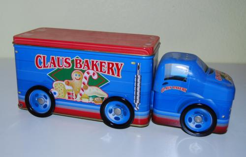 Tin xmas trucks 1