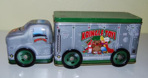 Tin xmas trucks 2