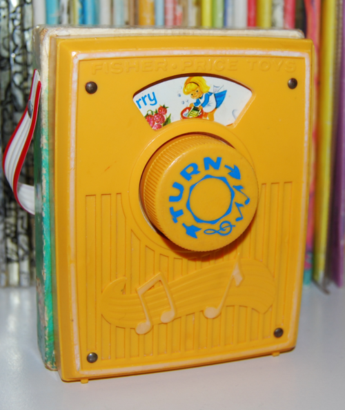 Fisher price pocket radio mullberry bush 6