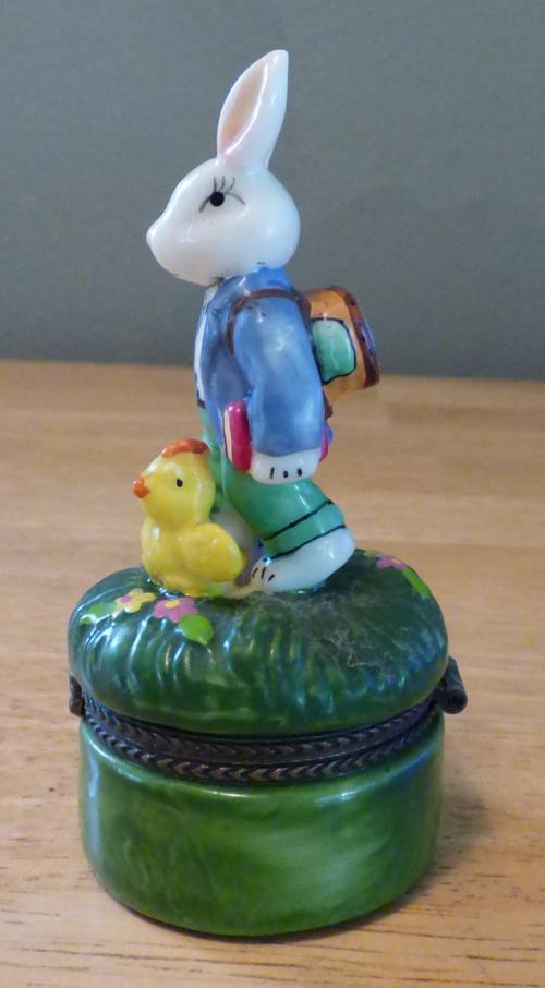Easter bunny ceramic box 1