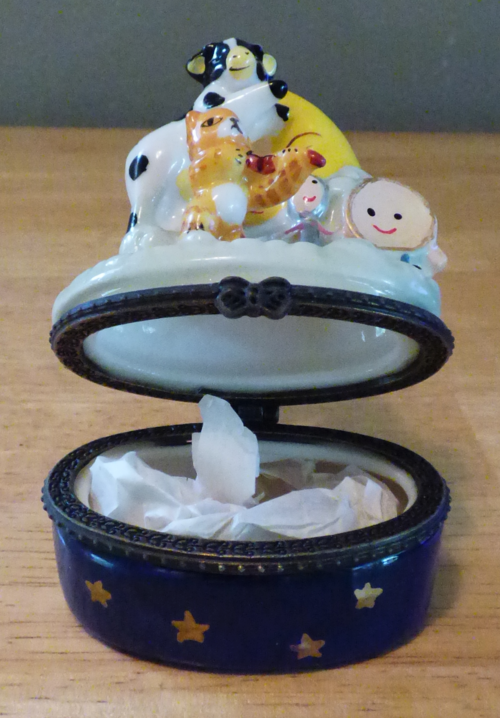 Hey diddle diddle ceramic box 3