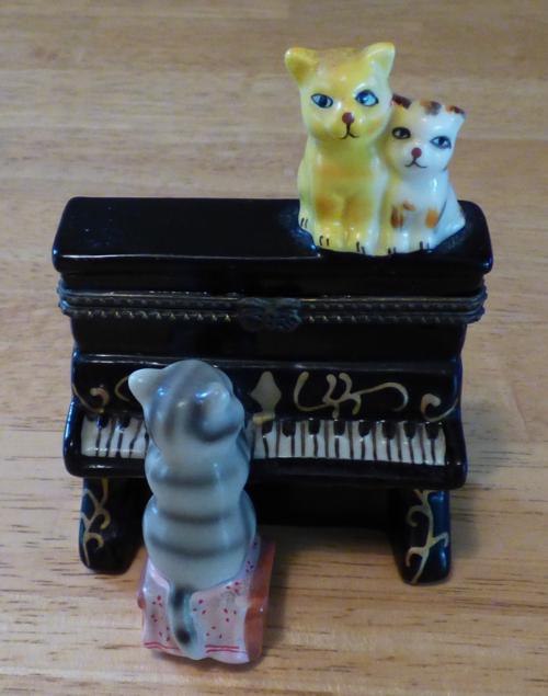 Kitty piano ceramic box 4
