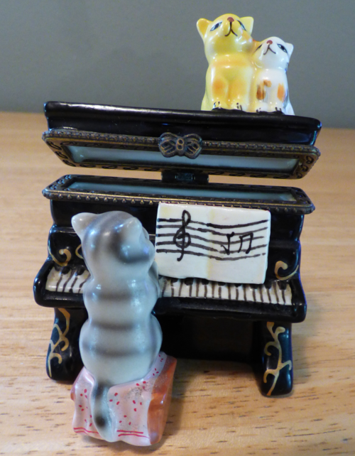 Kitty piano ceramic box 7