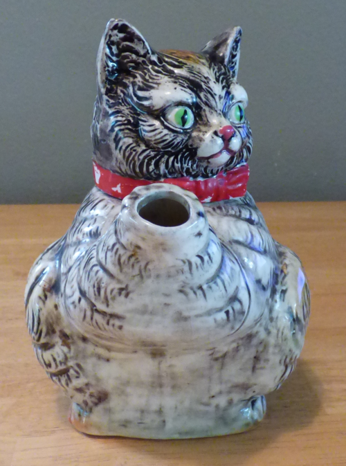 Vintage kitty teapot 2