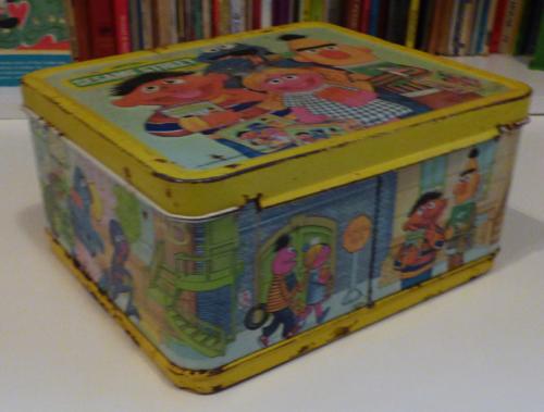 Vintage tin sesame street lunchbox 4