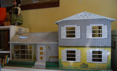 Marx vintage tin house 50s front