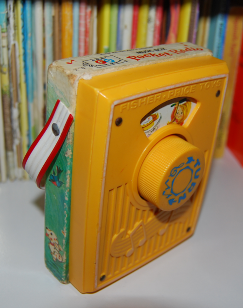 Fisher price pocket radio mullberry bush 4