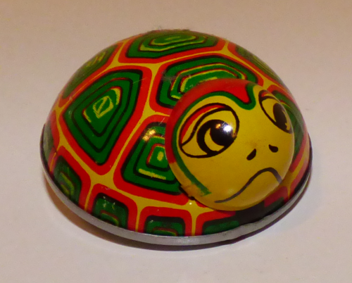 Tin turtle toy