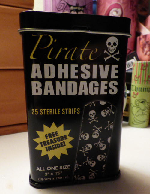 Pirate bandages tin