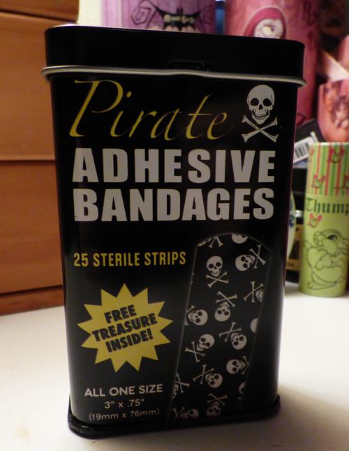 Pirate bandages tin