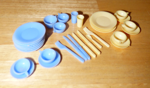 Vintage toy dishes 1
