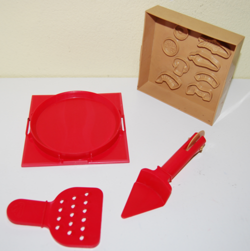 Playdoh pizza hut pizza maker 1
