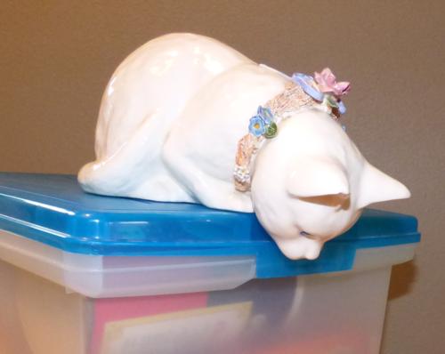 White ceramic kitty