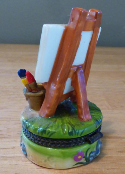 Easel ceramic pill box 2