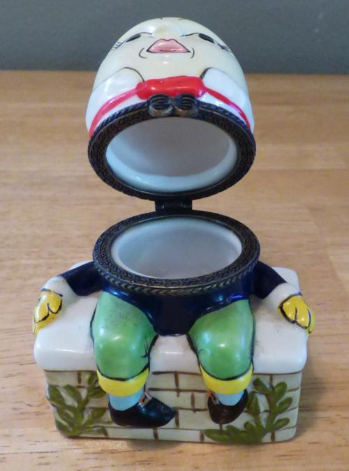 Humpty dumpty ceramic box 4
