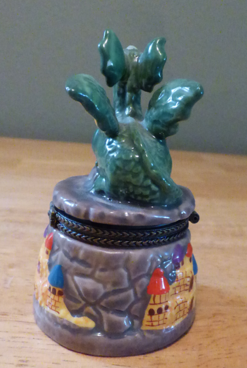 Ceramic dragon pillbox 2