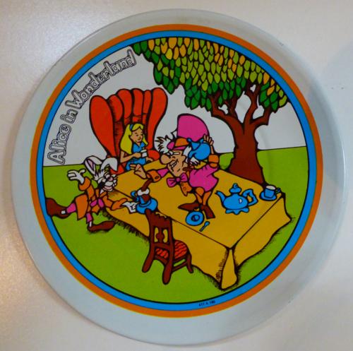 Alice in wonderland tin plates vintage 2