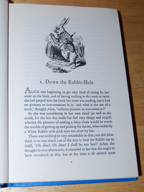 Alice in wonderland weekly reader classics 2