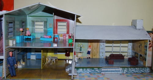 Living in a tin house 4