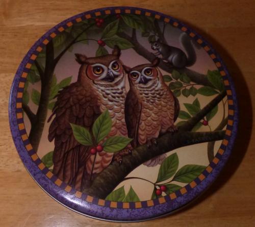 Owls tin