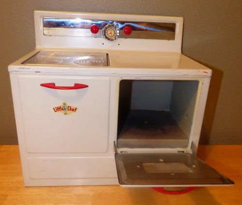 Little chef vintage toy tin stove 1