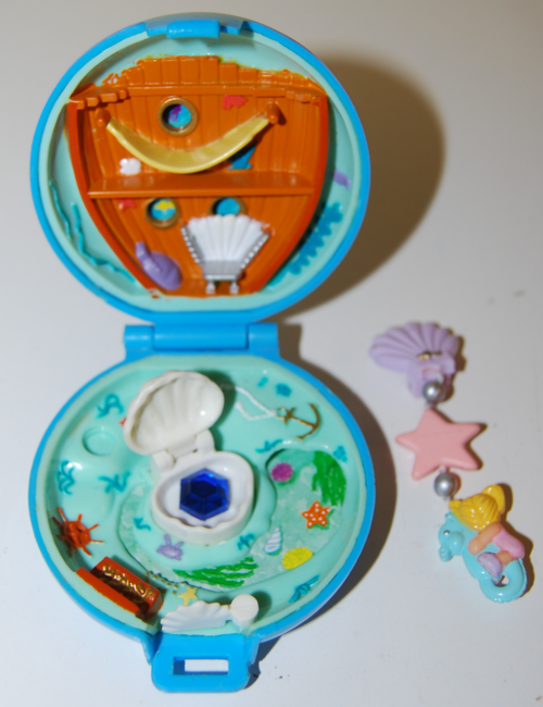 Polly pocket toy 1