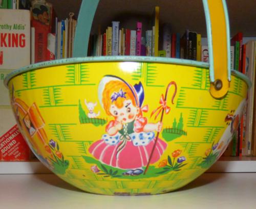 Vintage tin basket 1
