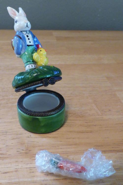 Easter bunny ceramic box 3