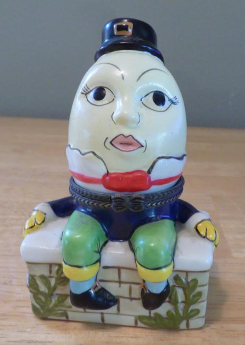 Humpty dumpty ceramic box