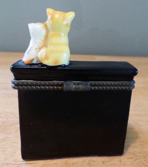 Kitty piano ceramic box 3