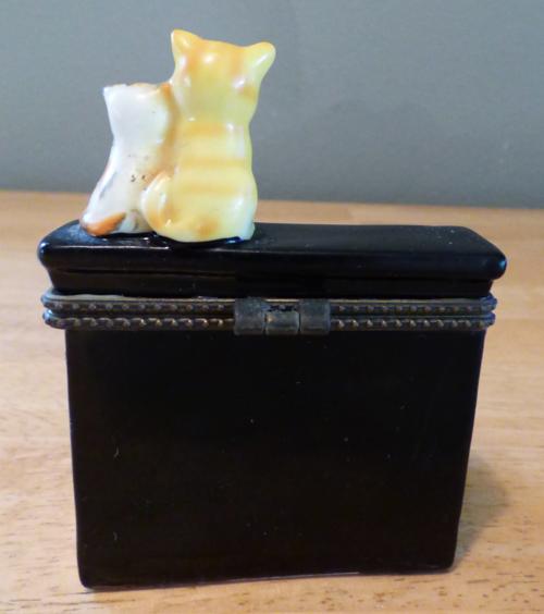 Kitty piano ceramic box 3
